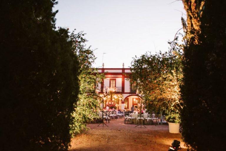 la carreña acceso iluminado boda